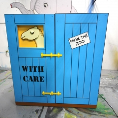 Dear Zoo - Camel Crate (1)