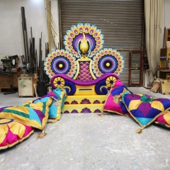 Workshop Sultans Throne & Cushions