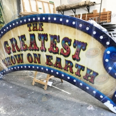 Goldie Greatest show Sign