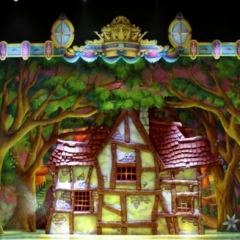 Dwaft-Cottage-front-2013-Snow-White-Theatre-Sets-Props-Scenery-Design-3d-house-3-