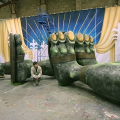 Giant-Feet-for-Jack-And-The-Beanstalk-4-