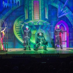 Robin Hood Panto, Mayflower Theatre. Shane Richie and Jessie Wallace.
