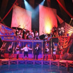 Pirates-Live-ship-with-ship-crew